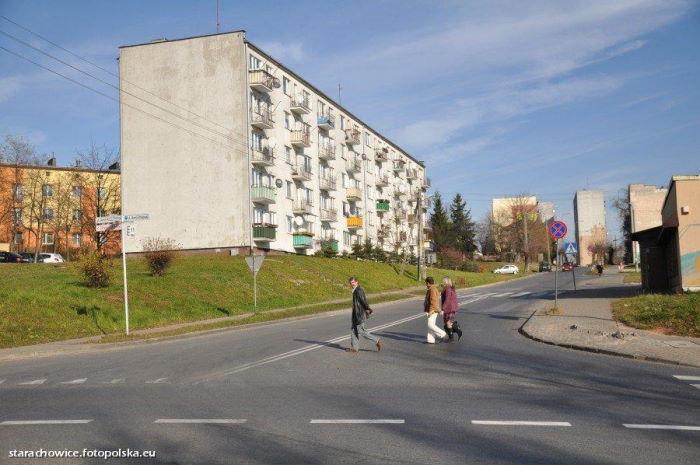 UM Starachowice:  Budynki wielorodzinne przy ul. Marszałka Piłsudskiego – galeria zdjęć